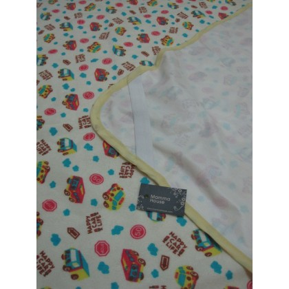 Baby waterproof mat - car (size L)